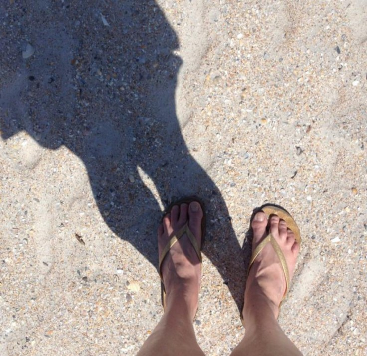 cropped-cropped-me-feet-for-blog.jpg